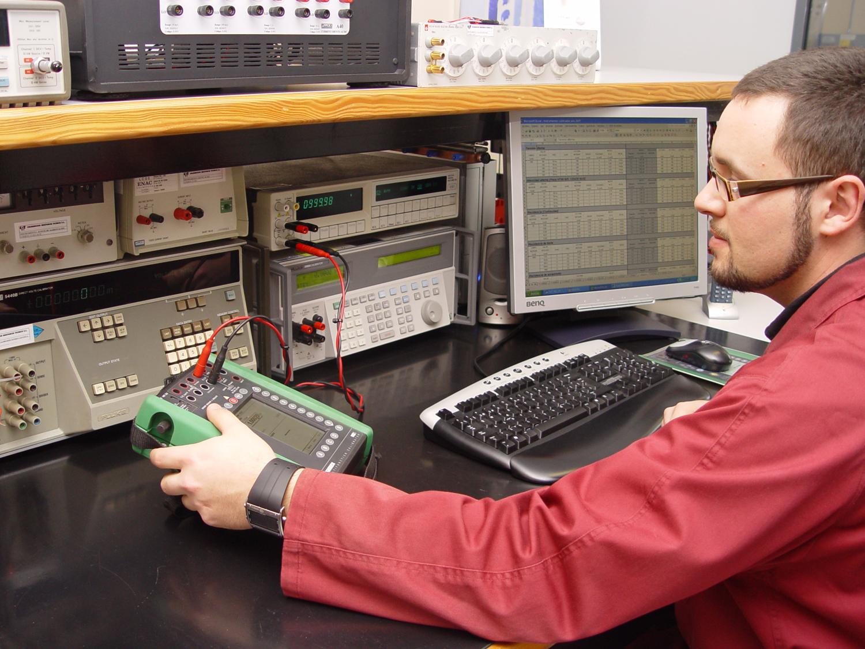 Calibración electricidad cc y baja frecuencia